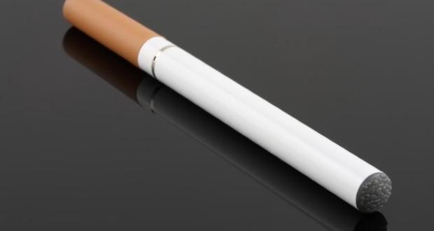les effets de l 39 e cigarette long terme bas sur l 39 tude r cente de riccardo polosa kinamik. Black Bedroom Furniture Sets. Home Design Ideas