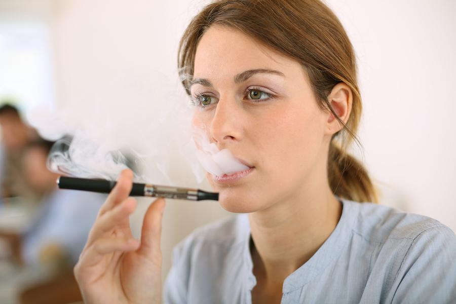 Photo of Les avantages et les inconvénients du statut juridique actuel de la e-cigarette en France