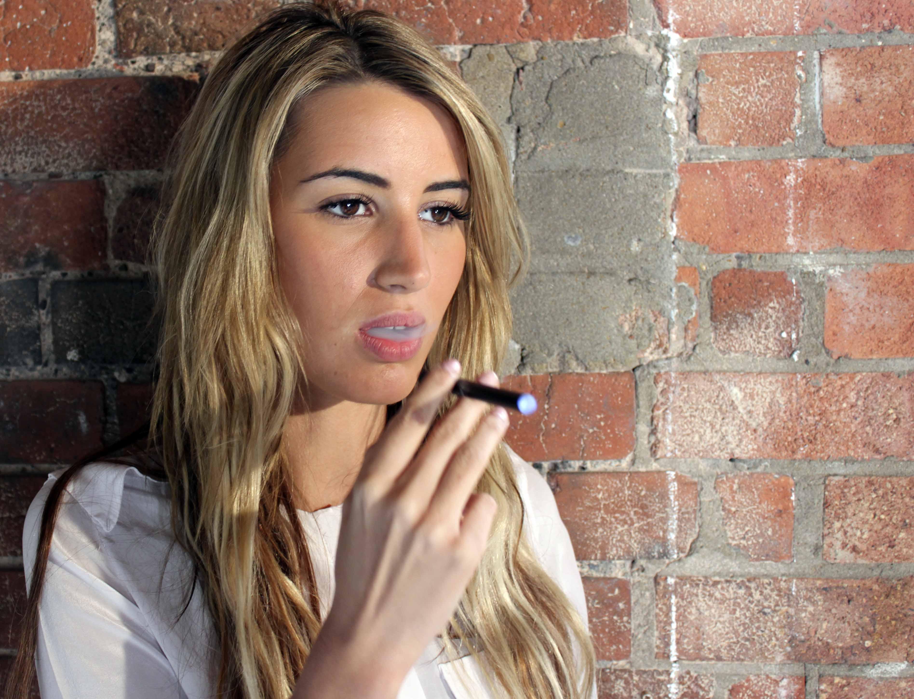 Photo of Les cigarettes électroniques dans le monde : bientôt des nouvelles restrictions en Israël